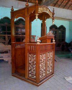 Mimbar Masjid Kubah Kaligrafi